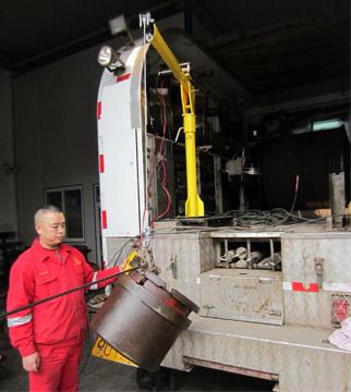 车载式电动小吊机1-2使用图:龙海起重工具(LongHai Hoisting)中国官方网站
